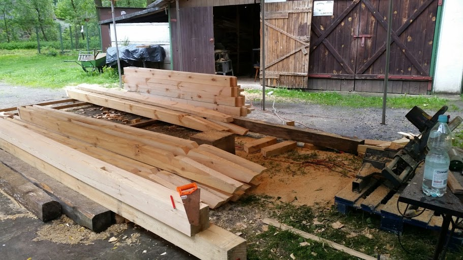 Drewno przygotowane na zakładkę