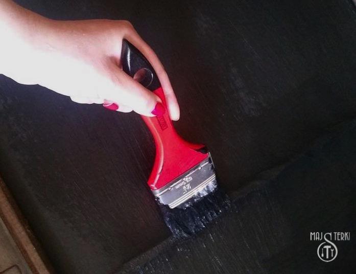 Jak zrobić farbę tablicową?