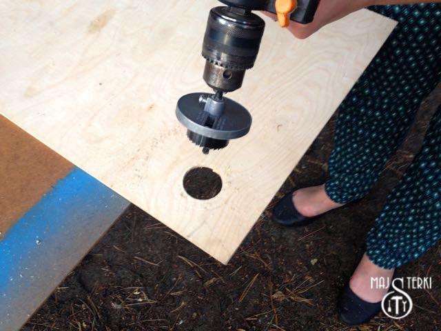 Wycinanie dziur w sklejce