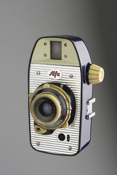 """aparat fotograficzny """"Alfa"""" projektu Krzysztofa Meisnera i Olgierda Rutkowskiego"""