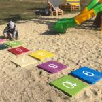 Gra w klasy na piachu. Tak wkręciłyśmy Chajzera w DDVN