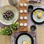 Wielkanocne ozdoby na stół. Zamiast decupage'u jajka z naklejkami
